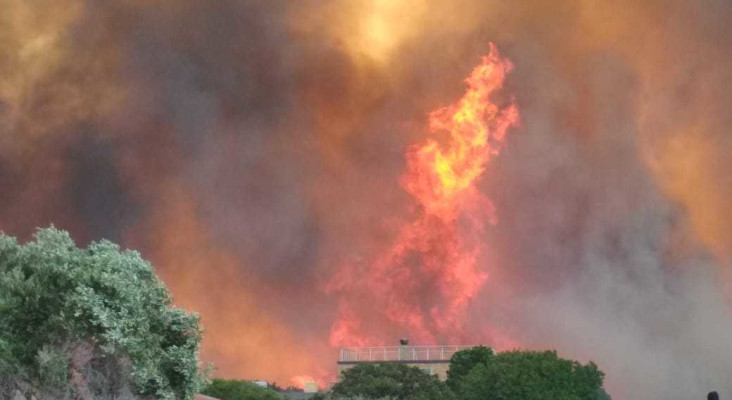 [GALLERY] Fresh blazes as Overstrand fires reignite