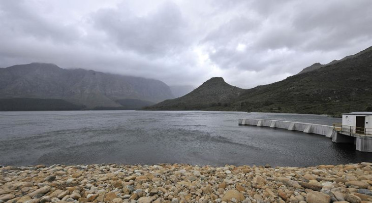 Mayor de Lille thanks Capetonians for water saving efforts #WaterWatch