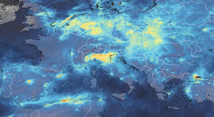 [VIDEO] Time-lapse satellite video shows radical NO2 decrease over Europe