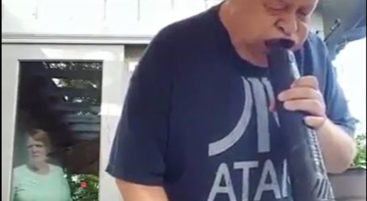 [WATCH] Husband's vacuum cleaner trick has wife and social media intrigued
