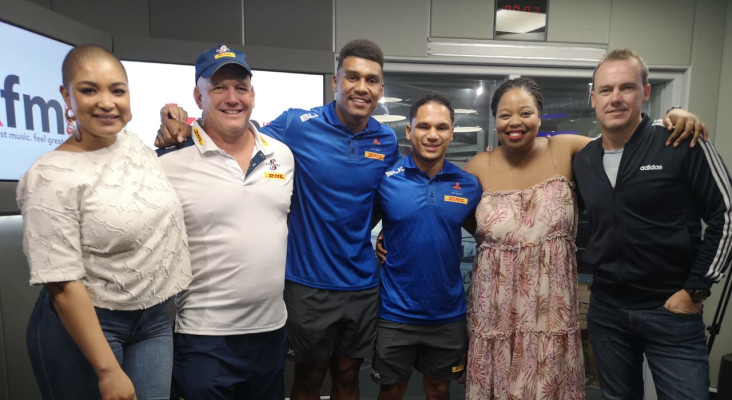 Herschel Jantjies, Damian Willemse and coach John 'Dobbo' Dobson on Kfm Mornings