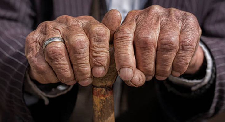 Almost 1,000 old age home residents in WC recover from COVID-19