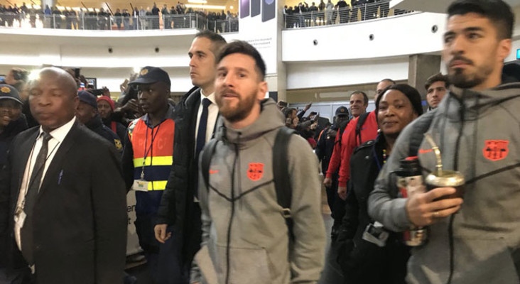 Rapturous fans welcome Barcelona stars to SA
