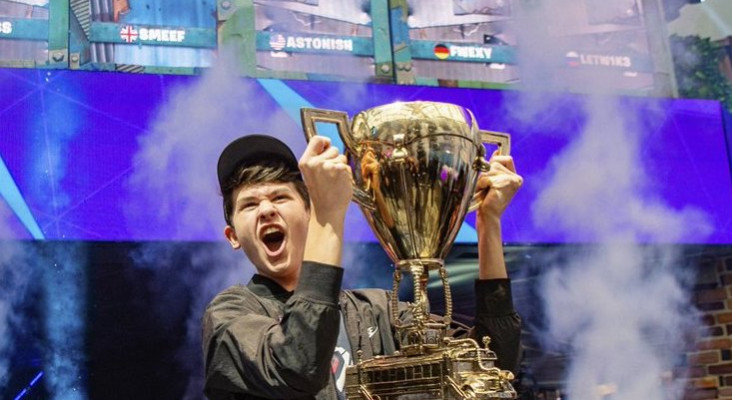 16-year-old wins $3 million in Fortnite tournament