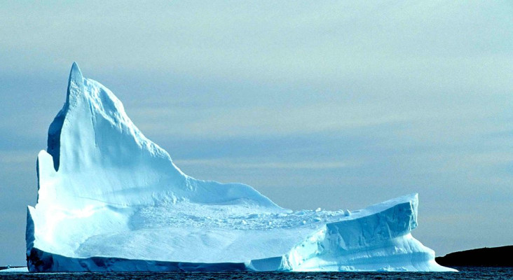 Salvage master explains why towing icebergs from Antarctica is a solution