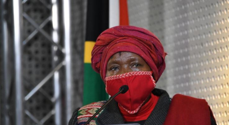 Tweeps see red over report Dlamini-Zuma wants booze, tobacco sold at level 1