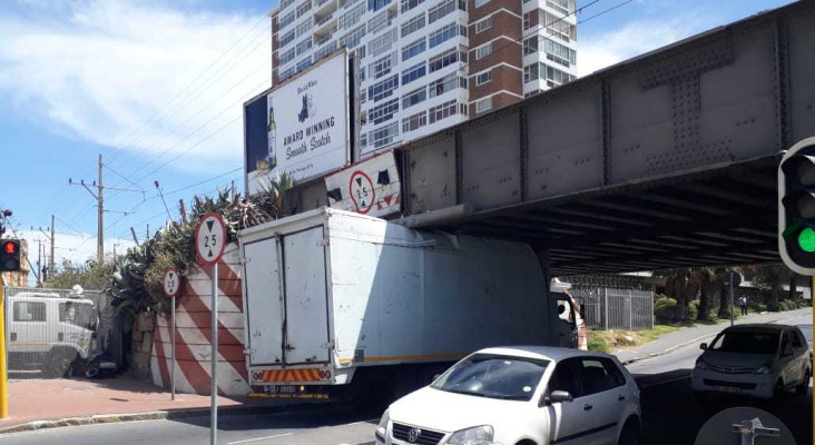 Another truck stuck under Muizenberg Bridge (will they ever learn?)
