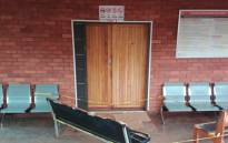 The entrance of the Lenyenye Courtroom where a man was stabbed to death. Picture:  EWN
