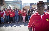 FILE: The demonstrators from the Communication Workers Union making their way to the Johannesburg Stock Exchange to hand over a memorandum of demands. Picture: Thomas Holder/EWN