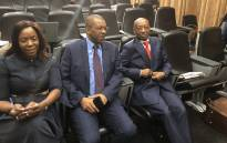 Advocate Dali Mpofu (C) with his client Tom Moyane at the Nugent Inquiry. Picture: Qaanitah Hunter/EWN.