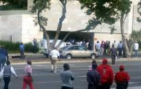FILE: Police are pictured talking to metered taxi drivers after clashes with Uber drivers outside Sandton on 22 April 2017. Picture: Janice Healing/EWN