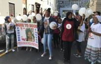 Supporters for Stacha Arendse seen outside of the Western Cape High Court where Randy Tango was sentenced, on 11 December 2017. Picture: Lauren Isaacs/EWN