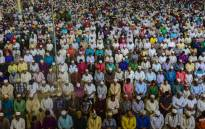 FILE: Bangladeshi Muslims offer Jummat-Ul-Vida prayers on the last Friday of Ramadan at the National Mosque of Bangladesh, Baitul Mukarram in Dhaka on 23 June 2017 ahead of the Eid al-Fitr festival. Picture: AFP.
