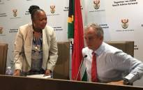 Sassa acting CEO Pearl Bhengu (left) & SA Post Office CEO Mark Barnes (right) at a press briefing on 8 March 2018. Picture: Gia Nicolaides/EWN