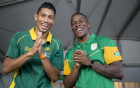 FILE: Wayde van Niekerk (left) and Akani Simbine pose for a photo outside the Olympic village in Rio de Janeiro. Picture: Reinart Toerien/EWN.