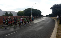 The men's pack running through Sun Valley, taking part in the Two Oceans Marathon on Satursay 26 March 2016. Picture: @Pink_Haasie via Twitter
