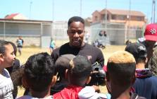 The first African Major League baseball player, Gift Ngoepe, visited the Maitland Gaints Baseball club in Factoryton, Western Cape, where he spent the day with young, aspirant pro baseballers. Picture: Bertram Malgas/EWN.