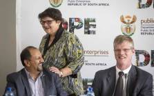 Minister Lynne Brown chats to members of her executive after a briefing with the Eskom board and the media on 15 December 2017. Picture: Thomas Holder/EWN