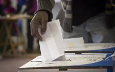 A voter casts his ballot. Picture: Aletta Harrison/EWN.