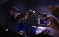 The 43-year-old's one night only performance treated a packed audience of around 600 fans to her DJ skills accompanied by her neo-soul signature voice.