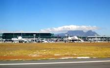 Cape Town International Airport as viewed from the runway. Picture: Andres de Wet/Wikimedia Commons.