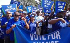 Democratic Alliance leaders and supporters marched to the Constitutional Court on 15 April 2016 to defend the Constitution and call for President Jacob Zuma to resign. Picture: Ziyanda Ngcobo/EWN.