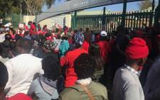 Workers at the National Health Laboratory Services downed tools over labour related issues on 26 July 2017. Picture: EWN.