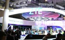 Spectators gather at an exhibition during the Barcelona Mobile World Congress, 3 March 2015. Picture: Aki Anastasiou/EWN.