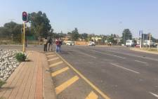 Protesting Laudium community members have gone back home and the R55 is now open. Picture: Masa Kekana/EWN.