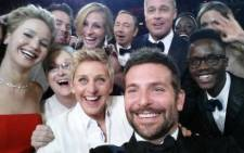 FILE: Ellen DeGeneres took a 'selfie' with other Hollywood celebrities who attended the Oscar awards on 2 March 2014. Picture: Twitter.