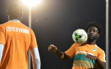 Ivory Coast's Wilfried Bony takes part in a training session on January 22, 2017 in Bitam during the 2017 Africa Cup of Nations football tournament in Gabon.  ISSOUF SANOGO / AFP