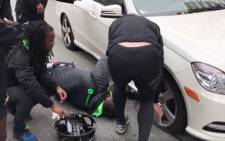 The Springbok Sevens stopped their bus, and members of the top team got out to lend a hand. Picture: @BlitzBokke.