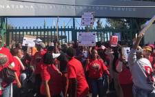 Workers at the National Health Laboratory Service downed tools over labour-related issues on 26 July 2017. Picture: Kgothatso Mogale/EWN.