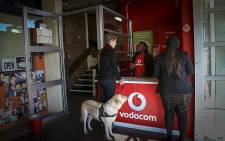 A first-of-its-kind kiosk opened at the Cape Town Society for the Blind on 9 June 2015 to help assist visually impaired people with their smartphones. Picture: EWN