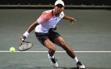 FILE: Raven Klaasen in action against Marcos Baghdatis at the South African Tennis Open. Picture: Facebook.com.