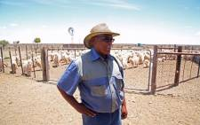 A farmer in Beaufort West explains how he is coping with the drought. Picture: Moeketsi Moticoe/EWN