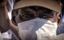 People who attended the 2015 World TB Day march in Cape Town wore medical masks, commonly used in the fight against the spread of TB. Picture: Thomas Holder/EWN