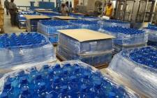 As residents from Senekal in the Free State battle the worst drought in years, a humanitarian organisation has distributed more than a hundred thousand litres of water to the community. Picture: @FlyMangoSA.