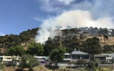 FILE: A fire on the slopes of Signal Hill. Picture: Monique Mortlock/EWN.