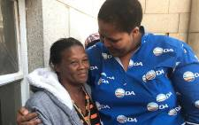 Elda Japhta's mom, Eva Lackay (L) being comforted by Zukiswa Tonisi, the deputy mayor of the Cape Agulhas Municipality, on 19 January 2018. Picture: Lauren Isaacs/EWN.