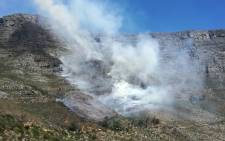 Firefighters on Saturday 17 March 2018 battled a blaze on Table Mountain. Picture: Twitter/@wo_fire
