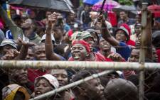 FILE: Protesting Vuwani residents outside the municipal offices before being addressed by the MEC for Cooperative Governance, Makoma Makhurupetje on 6 February 2017. Picture: Thomas Holder/EWN.