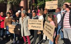 FILE: Residents who are facing eviction from Woodstock due to failure to pay rent outside today. Picture: Monique Mortlock/EWN