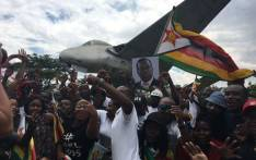 Supporters of Emmerson Mnangagwa gather at the Manyame Air Base awaiting his return to Zimbabwe on 22 November 2017. Picture: EWN