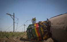 FILE: Officials clean-up the scene of a train crash in Kroonstad, Free State. Picture: Sethembiso Zulu/EWN.
