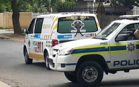 Police and paramedics at the scene of an attempted hijacking in Sandton. Picture: @Netcare911_sa/Twitter.