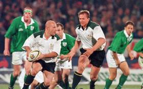 FILE: Former Springbok hooker James Dalton (holding the ball) dodges past Irish players. Picture: AFP.