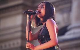 Idols South Africa 2017 winner Paxton Fielies entertains the crowd during the switching on of the Christmas lights in Cape Town on 3 December 2017. Picture: Cindy Archillies/EWN