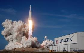 A SpaceX Falcon Heavy rocket lifts off from historic launch pad 39-A at the Kennedy Space Center in Cape Canaveral, Florida. Picture: @SpaceX/Twitter.