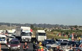 N12 Putfontein crash left 1 person dead and around 60 injured. Picture: Twitter/@Netcare911_sa.